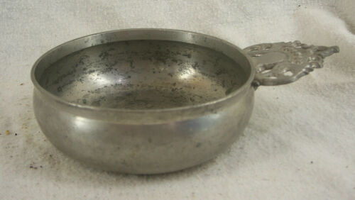 Antique American Pewter Porringer, Crown Handle  Circa 1800