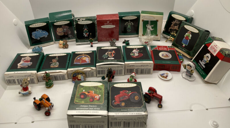 HALLMARK VTG MINIATURE ORNAMENTS LOT OF 17  COLLECTOR SERIES INC, w/Orig Boxes