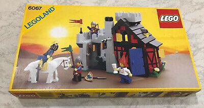 LEGO vintage castle 6067 guarded Inn complet 100% avec boite et instructions