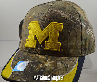 U of M University of Michigan Wolverines Baseball Hat Ball Cap Realtree Camo NWT ()