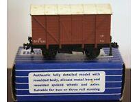 Hornby-Dublo 32041 SD6 12-Ton Ventilated Van B757051