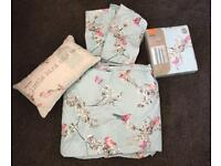 """Kingsize bedding and Curtains 66"""" x 72"""" set"""