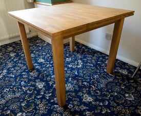 Oak dining table, 4 seater
