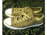 Converse all stars tan suede trainers size 7-8