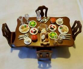 Sylvanian Families- Posh Dinner Set