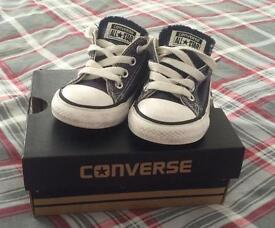 Boys infant converse size 5
