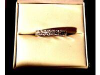 Brand new 10 stone 925 silver half eternity ring stunning