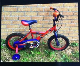 CHILDS BICYCLE with stabilisers