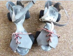 Retro/Antique roller skates