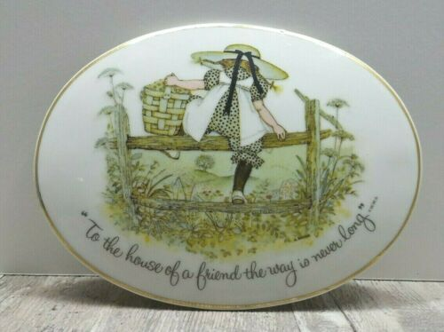 """Holly Hobbie 1972 """"To The House Of A Friend The Way Is Never Long"""" Porcelain"""