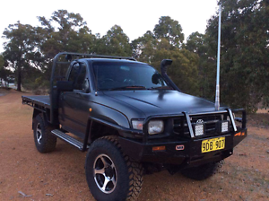 Turbo diesel toyota hilux 4x4 Gidgegannup Swan Area Preview