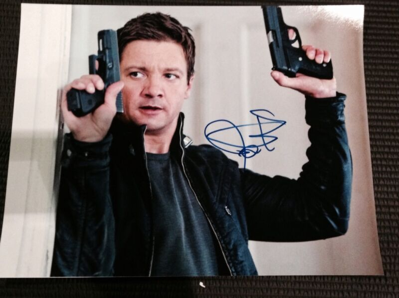 "JEREMY RENNER SIGNED AUTOGRAPH ""BOURNE LEGACY"" CLASSIC TWO GUNS 11x14 PHOTO COA"