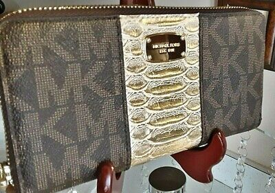 Michael Kors Signature Acorn w/ Gold Center Stripe Large Wristlet / Wallet -NWOT