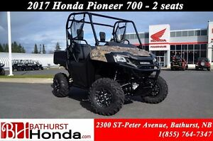 2017 Honda Pioneer 700 Deluxe Mag Wheels! 2 Seats! Power Steerin