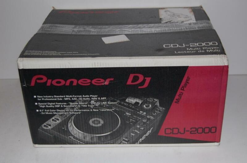 Pioneer CDJ 2000 NON-Nexus CD/USB Pro turntable NEW IN BOX L@@@K!