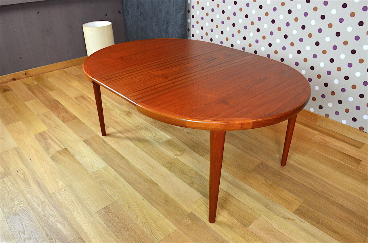 Table ronde scandinave en teck v v mobler vintage 1968 for Table scandinave en teck