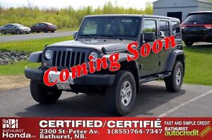 2014 Jeep Wrangler Unlimited SAHARA 4X4! V6! Nav! Auto Start! Si
