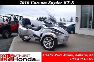 2010 Can-Am Spyder RT-S Heated Grips! Lots of Storage!