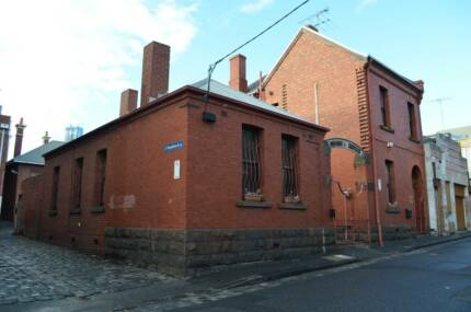TWO BEDROOM HOUSE FURNISHED INCL BILLS - CBD