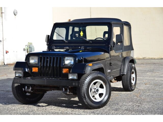 """Jeep : Wrangler 2dr """"S"""" 1990 jeep wrangler 4 x 4 5 speed 2.5 l 4 cylinder clean must see"""