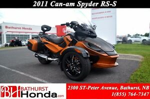 2011 Can-Am Spyder RS-S Semi-automatic! Windshield! Saddles Bags