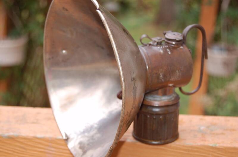 ANTIQUE BRASS JUSTRITE COAL MINERS CARBIDE HELMET LIGHT LAMP SCARCE 1915