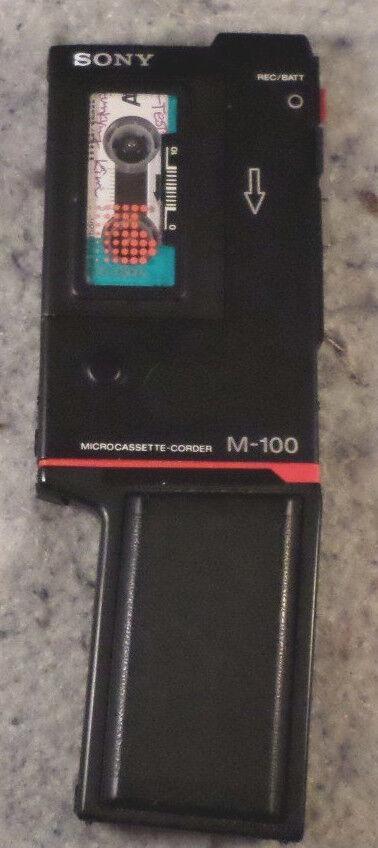 SONY MICROCASSETTE CORDER M-100B & EBP-100 Battery Pack RARE AMAZING CON (C19B4)