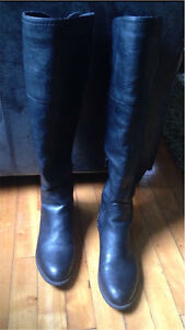 Size 9 G by Guess boots