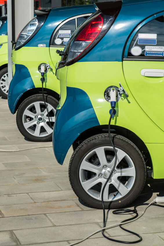 How to Buy a Battery-Powered Car