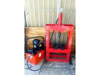 Hydraulic power pack and workshop press