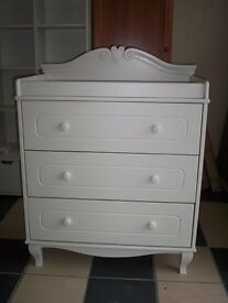 ABSOLUTELY STUNNING PROVENCIAL DRESSER CREAM STORED BUT NOT USED