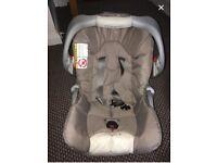 Graco car seat & carrykot