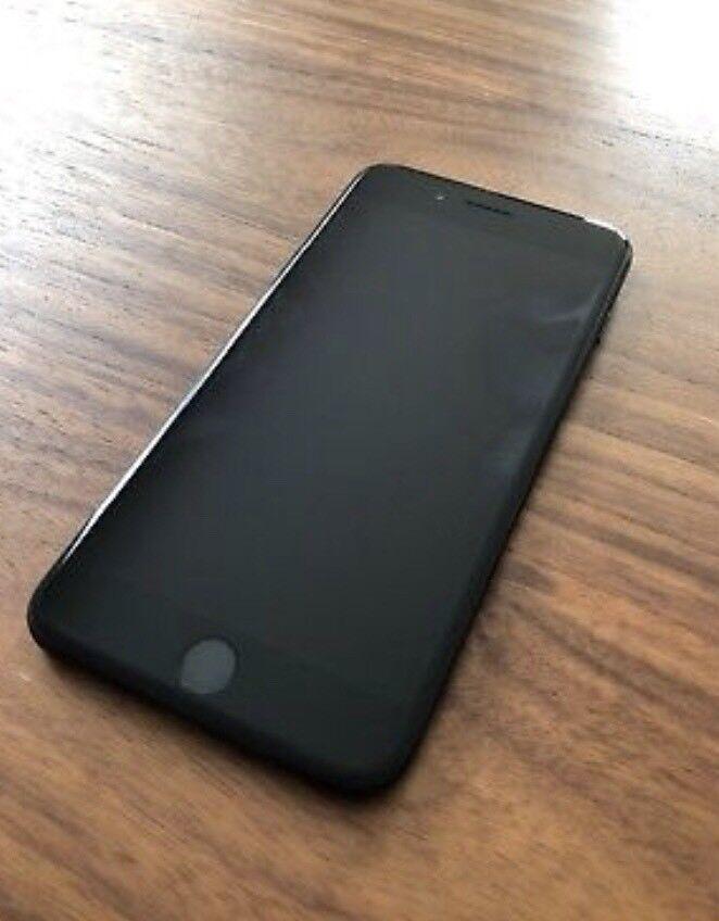 iPhone 7plus 128gb + genuine authentic Apple case (worth 39.99)