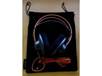 AKG 712 Professional Studio Reference Monitor Headphones Over-Ear