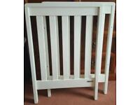 Mamas and papas Pebble cot in white