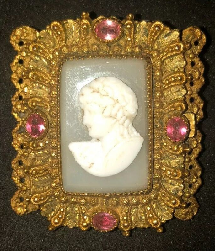 Antique Victorian Gold Cameo Brooch Pinchbeck