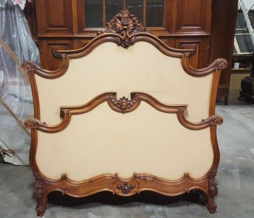 550003 : Large Antique Carved French Louis XV Bed