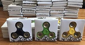25 FIDGET SPINNERS - WHOLESALE PRICE