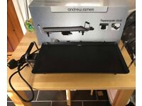 Electric flat iron grill / teppanyaki grill with original packaging