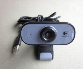 Logitech C100 webcam, 1.3-MP photos*
