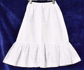 "Ladies White Thin Elasticated Skirt W25""-37"" & L29"""