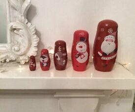 Set of 5 M &S Xmas Russian nesting dolls Santa painted wood