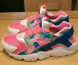 Womans Nike Air Huarache Run size 4.5 White / Pink / Blue