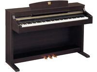 Yamaha Clavinova CLP-330 Digital Piano in Rosewood Full Size 88 keys 3 pedals, very recent model