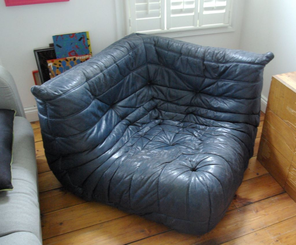 blue leather sofa togo ligne roset corner 2 seater 3. Black Bedroom Furniture Sets. Home Design Ideas
