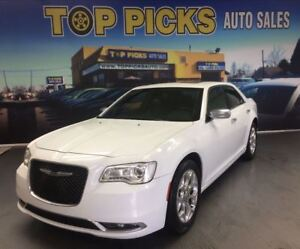 2017 Chrysler 300 300C PLATINUM AWD, LEATHER, PAN ROOF & NAVI!