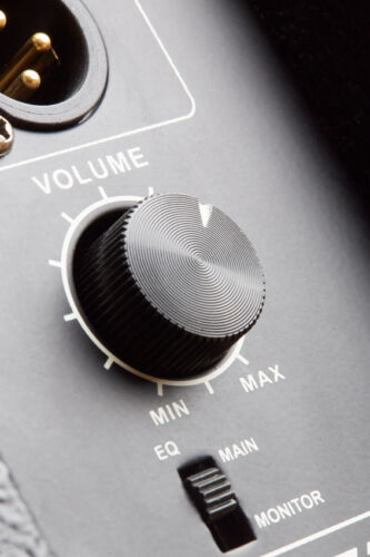 How to Buy a Used Digital Amplifier