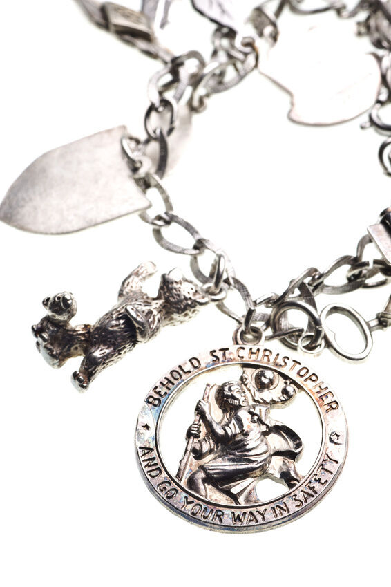 How to Choose the Right Sterling Silver Charm Bracelet