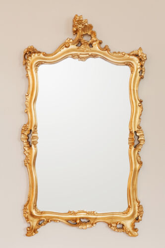 How to Refinish a Mirror Frame