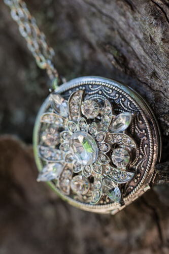 How to Buy a Victorian Pendant